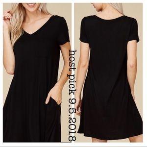 Dresses & Skirts - ❗️sale❗️BESTSELLING BLACK POCKET SWING DRESS